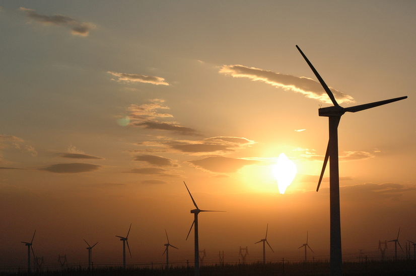 Wind_power_plants_in_Xinjiang_China_credit-chris-lim_creative-commons