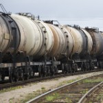 Eight Steps for Safer Oil Trains Eyed by U.S. Officials
